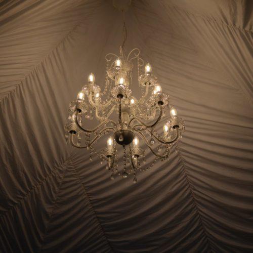 Noleggio lampadario a candeliere in cristallo